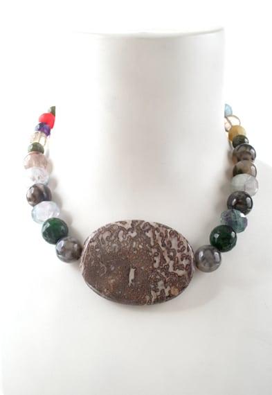 N003982 mixed gemstone